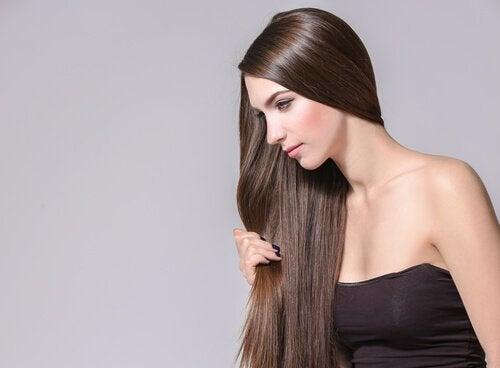 髪の成長を促進するハーブ&スパイス4選