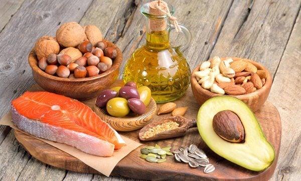 良質な脂肪を含む食品