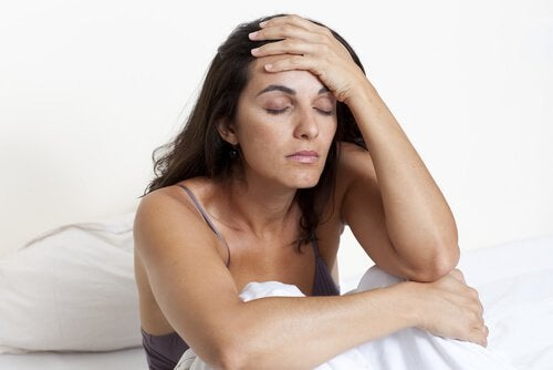 倦怠感を感じる女性