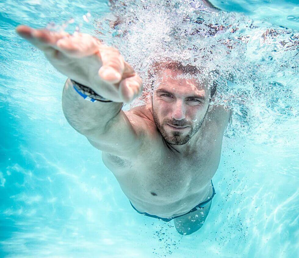 水泳 背中の痛み