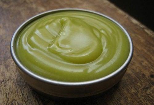 緑色の軟膏