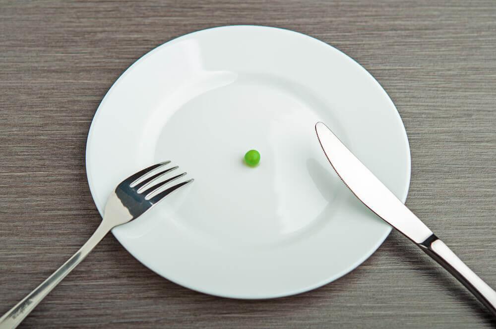 お皿とお豆 高コレステロール