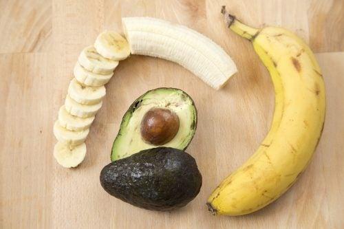バナナとアボカド