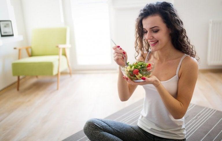 野菜を食べる 健康体重を気にかける