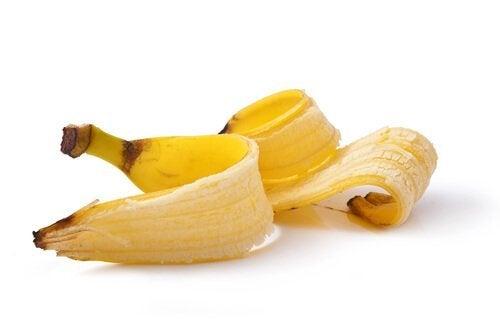 バナナの皮 指のイボを治す