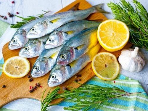 青魚とレモン