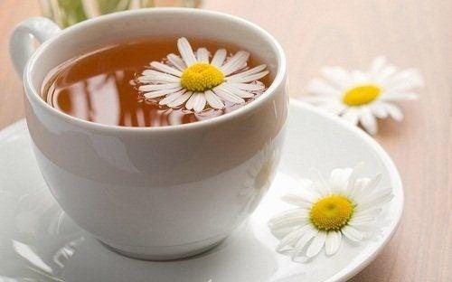 カモミールティー 炎症に効く自然治療薬