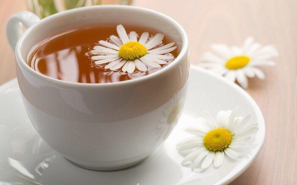 カモミール、ノコギリソウ、ダイダイのお茶