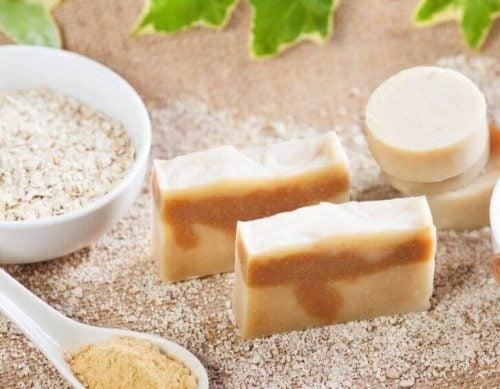 角質除去効果のある オートミール石鹸 を作る方法