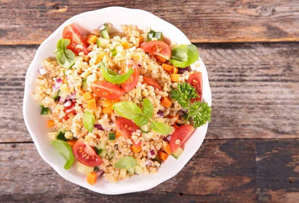 キヌアと野菜のサラダ