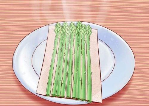 アスパラを食べるべき6つの理由とオススメ調理方法