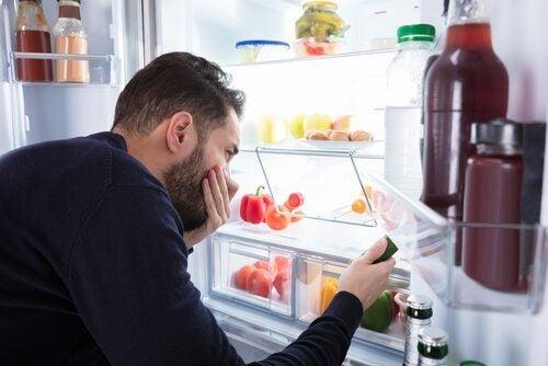 冷蔵庫の嫌な匂い