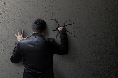 感情を抑制 することは不安を増長させる
