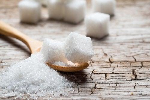 食事から砂糖を排除 砂糖の代わりになる食品5