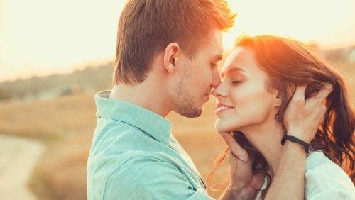 恋に落ちた時に起こる体内の変化