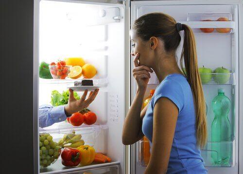 夜間の過食を防ぐ