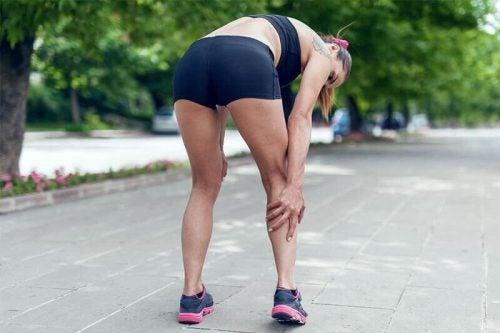 アキレス腱炎の症状