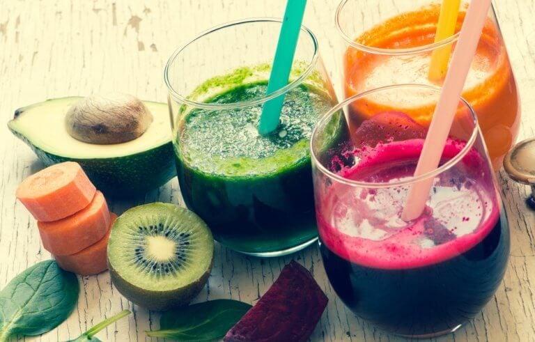 食べ過ぎた時に飲みたい野菜ジュース