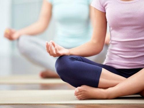 ヨガ ストレスと甲状腺機能亢進症