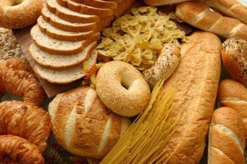 パン セルライトを悪化させる食べ物