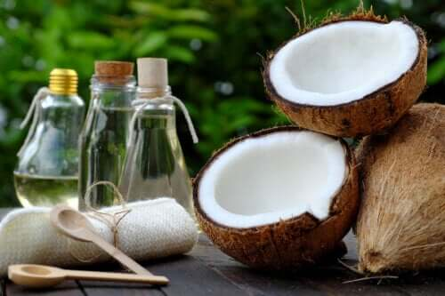 妊娠線と傷痕にココナッツオイルの自然療法5選