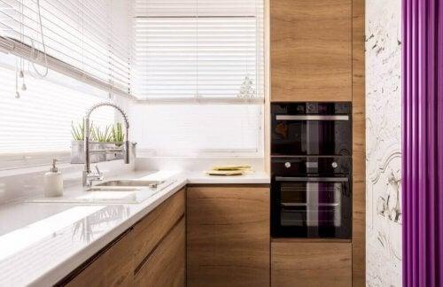 小さなキッチンを素敵にデコ アイデア6種