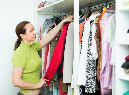 洋服を綺麗に整理する10のコツ