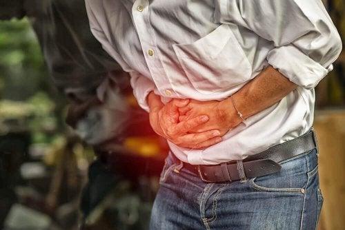 腹痛を和らげる4つの自然療法