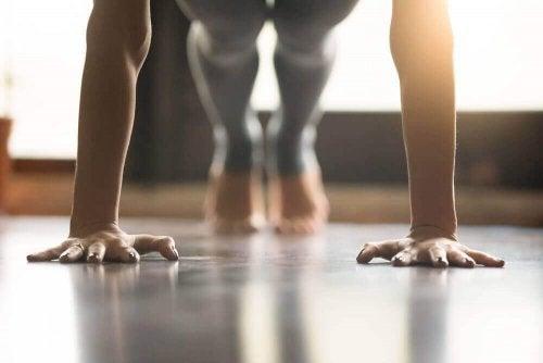 ヨガで引き締まった筋肉を手に入れる方法