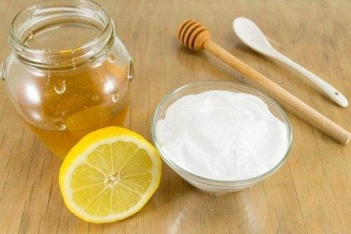 重曹と蜂蜜を使った自然療法