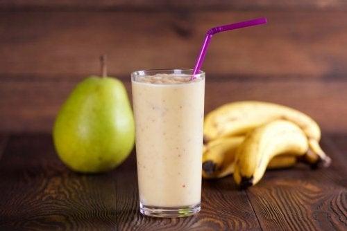 梨とバナナのスムージー