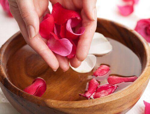 バラの化粧水