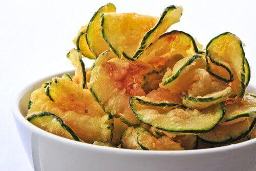 手軽で簡単!野菜チップスを作る3つの方法