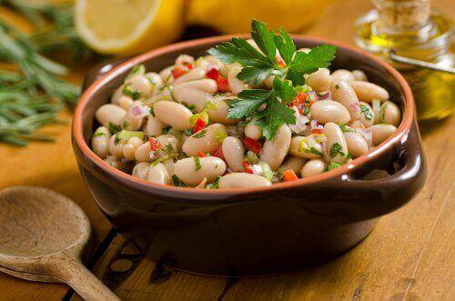 白豆のサラダ
