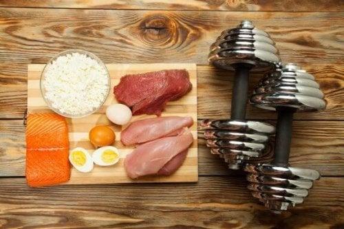 筋肉量を増やすのに役立つ10の食品