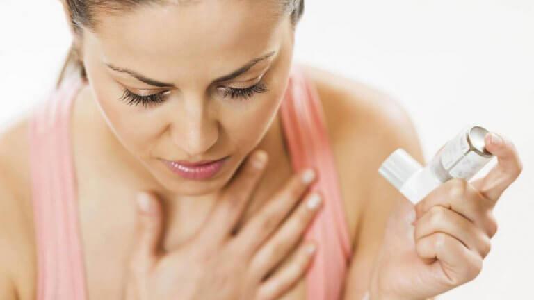 喘息の治療に使われる吸入器とその機能