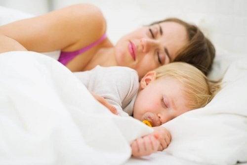 赤ちゃんをぐっすり眠らせる方法