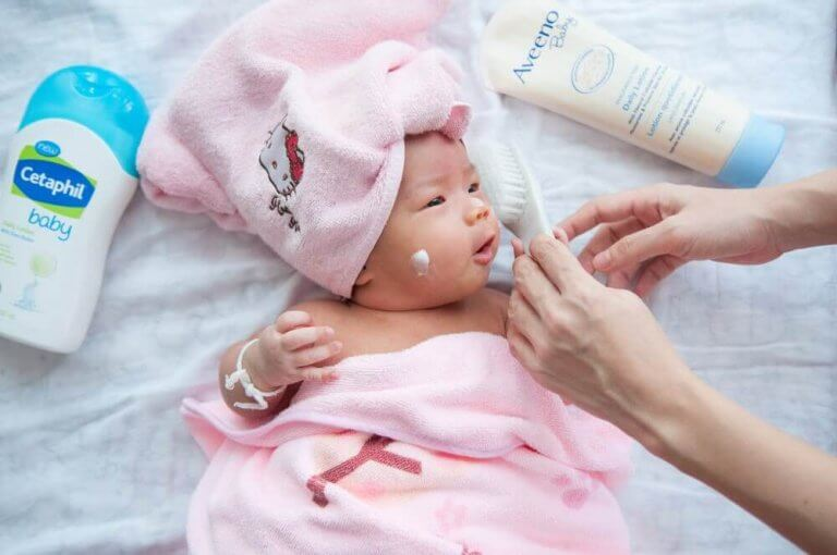 新生児を世話する際のアドバイス