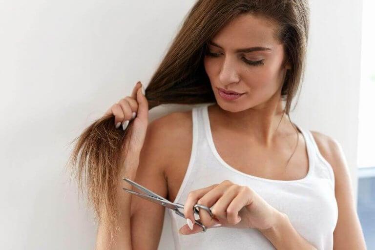 髪の毛の悩み:枝毛を切らずに修復する方法を見てみよう!