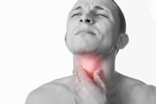 喉の不快感