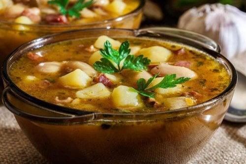 おいしいスペイン風シチューの作り方:ポテ・ガジェゴ