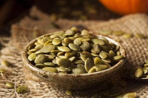 健康効果がすごい!かぼちゃの種を使った3つのレシピ