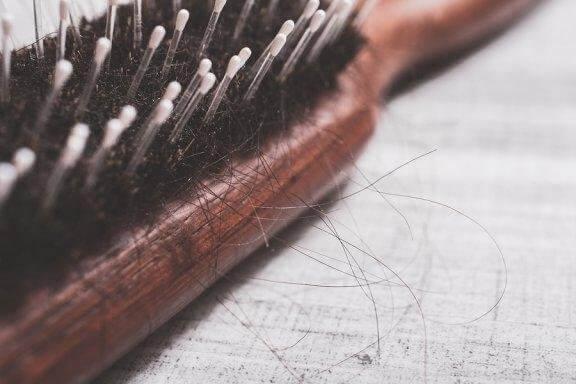 抜け毛を緩和する自然療法