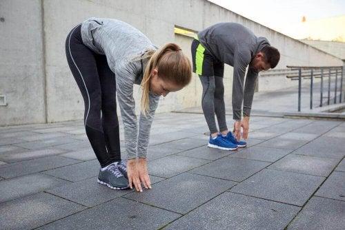 柔軟運動1 柔軟な足