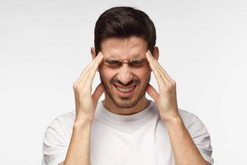 緊張性頭痛を自然に和らげる方法