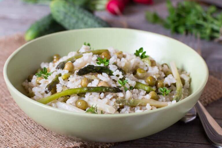 コレステロールに良いレシピ!  野菜とチアシード入りご飯