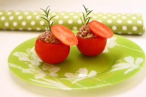 ツナ詰めトマトのおいしいレシピ