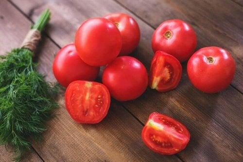 トマト ツナ詰めトマト