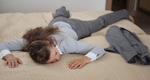 疲れを軽減する夜間の5つの習慣