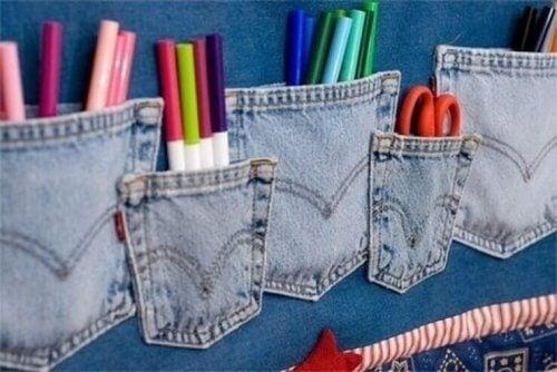 古いジーンズの再利用 ペン差し